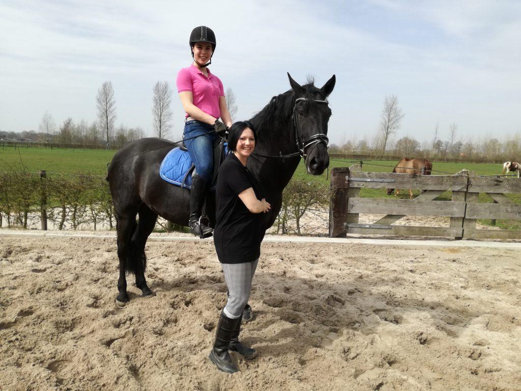 Animada met eigenares Susan Oudbier (staand).